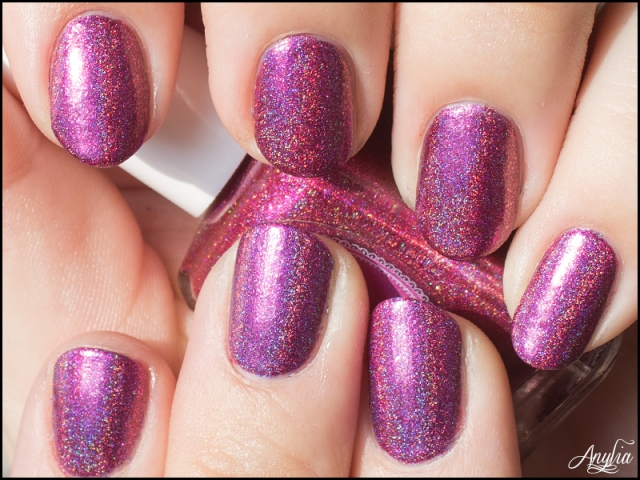 Swatch - Cupcake Polish Catherine - 2